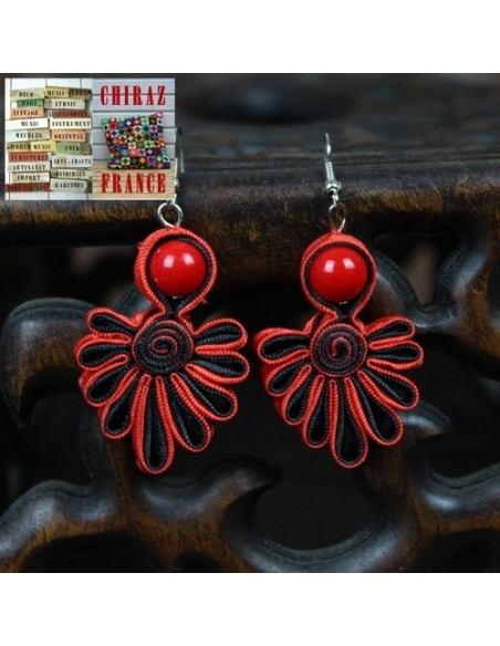 BO pendant Ethnique tissu noire et rouge fleurs broderie main couleurs